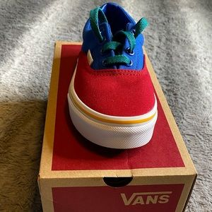 Boys Vans (new) (grade school)